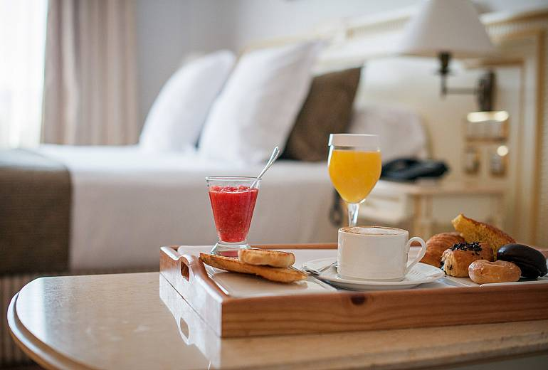 The Hotel: Breakfast room service