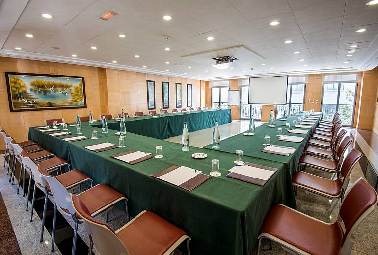 Meetings: Oriental Room
